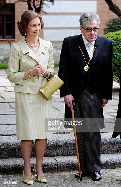 Queen Sofia of Spain and Mexican writer Jose Emilio Pacheco pose after the Cervantes Prize ceremony at Alcala de Henares University on April 23 2010...