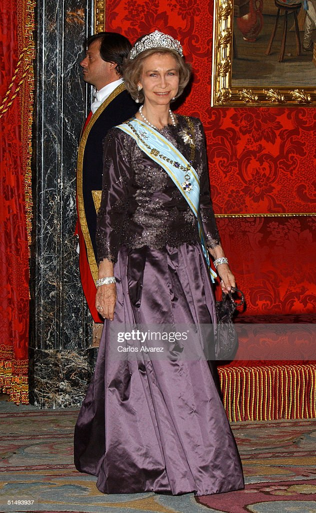 Queen Sofia of Spain attends Royal Gala Dinner honouring Letonia's President Vaira Vike-Freiberga at the Royal Palace on October 18, 2004 in Madrid, Spain.