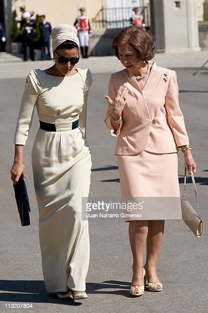 Queen Sofia of Spain bids farewell to Sheikha Mozah Bint Nasser at El Pardo Palace on April 27 2011 in Madrid Spain