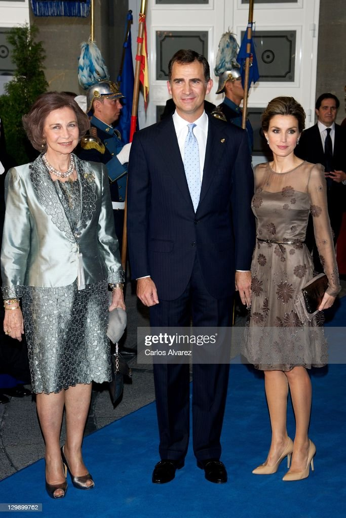 Queen Sofia of Spain, Prince Felipe of Spain and Princess Letizia of Spain attend the 'Prince of Asturias Awards 2011' ceremony at the Campoamor Theater on October 21, 2011 in Oviedo, Spain.