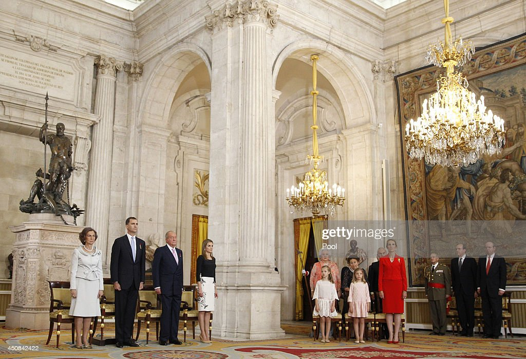 Queen Sofia of Spain, Prince Felipe of Spain,King Juan Carlos of Spain, Princess Letizia of Spain, Infanta Pilar de Borbon, Infanta Margarita of Spain, Princess Leonor of Spain, Princess Sofia of Spain and Princess Elena of Spain attend the official abdication ceremony at the Royal Palace on June 18, 2014 in Madrid, Spain. King Juan Carlos of Spain's abdication takes effect at midnight local time.