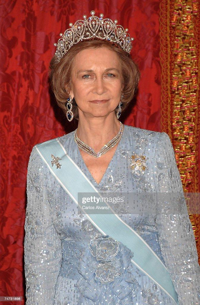 Spanish Royals Receive Saudi King Abdullah Bin Abdul Aziz Al Saud : News Photo
