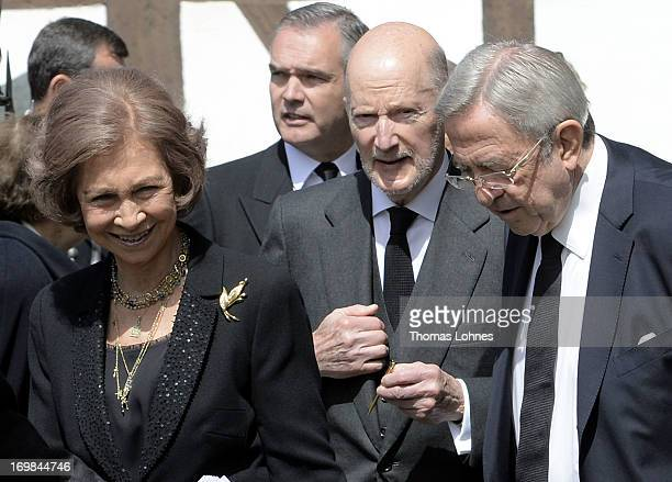 Queen Sofia of Spain Simeon SaxeCoburgGotha and former King Constantine of Greece attend the funeral service of Moritz Landgrave of Hesse at...