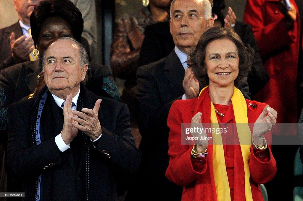 Germany v Spain: 2010 FIFA World Cup - Semi Final : News Photo