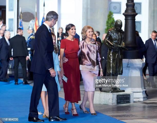 Queen Sofia Princess Leonor of Spain King Felipe VI of Spain Queen Letizia of Spain and Princess Sofia of Spain attend the 2019 Princess of Asturias...