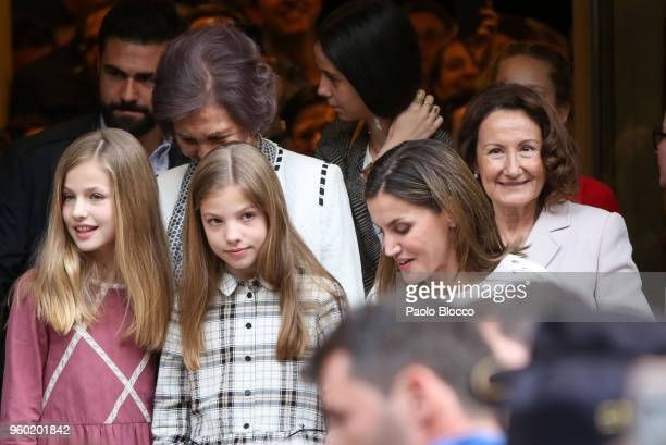 Queen Sofia Princess Sofia of Spain Queen Letizia of Spain Princess Leonor of Spain and Paloma Rocasolano are seen after going to see the 'Billy...