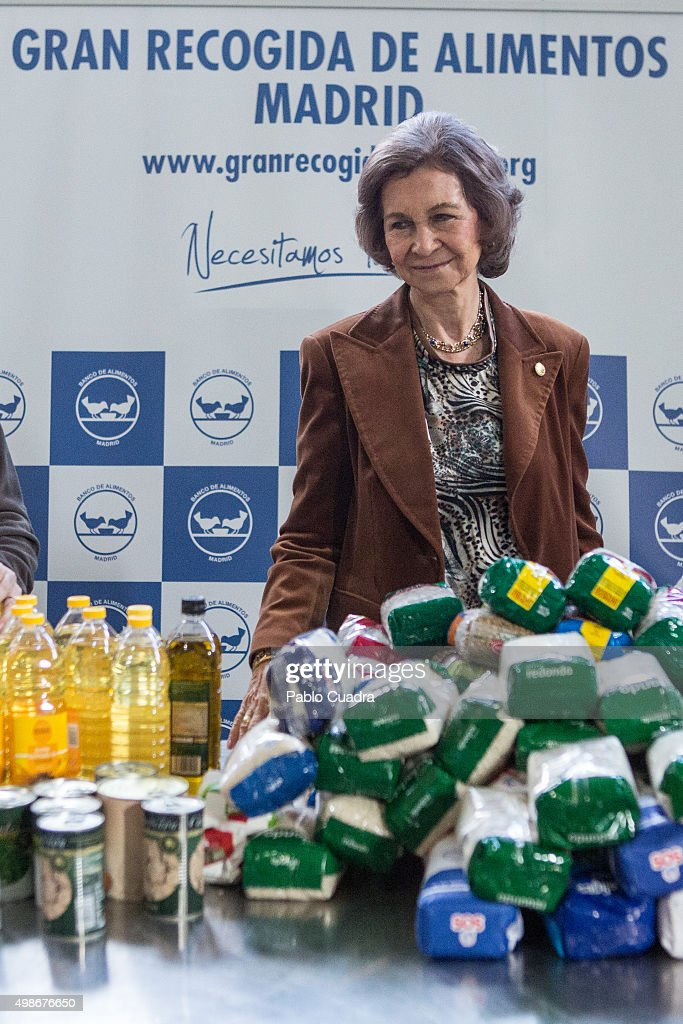 Queen Sofia Visits Food Bank