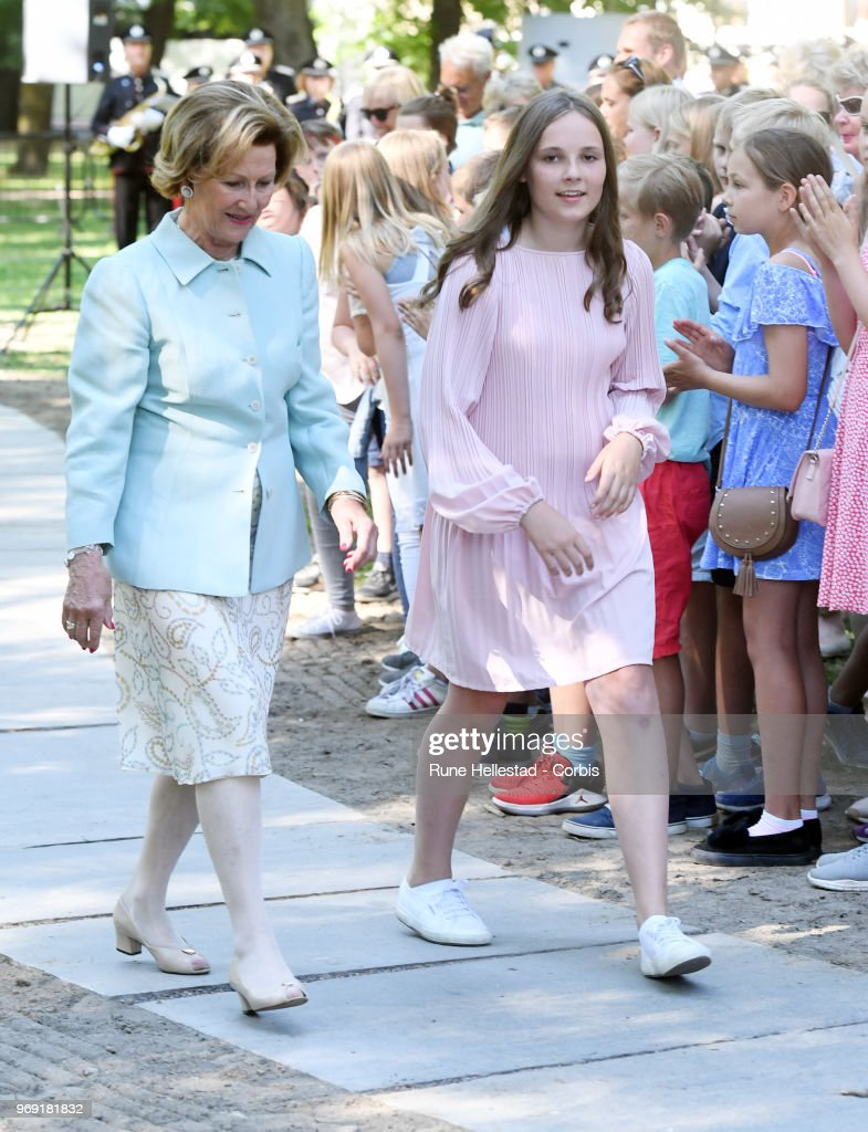 queen-sonja-and-princess-ingrid-alexandra-attend-the-unveiling-of-in-picture-id969181832