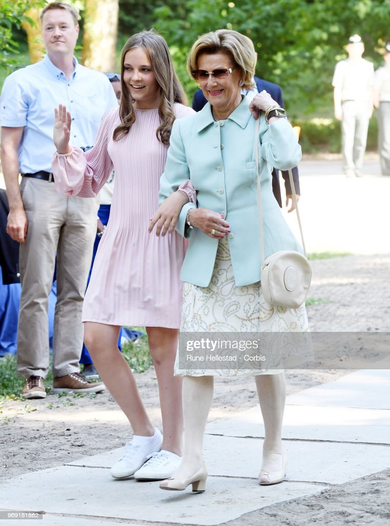 queen-sonja-and-princess-ingrid-alexandra-attend-the-unveiling-of-in-picture-id969181862
