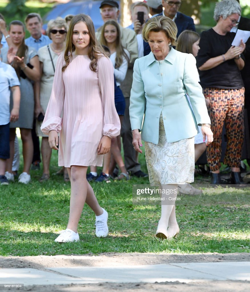 queen-sonja-and-princess-ingrid-alexandra-attend-the-unveiling-of-in-picture-id969181904
