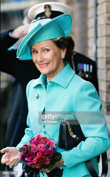Queen Sonja of Norway arrives for a lunch hosted by the Norwegian Royal Family on their yacht moored on the River Thames on October 27 2005 in London...