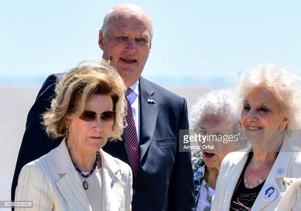 Queen Sonja of Norway King Harald V of Norway President of Families of the Disappeared and Detained for Political Reasons Lita Boitano and President...