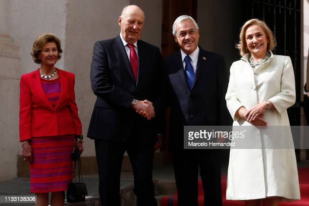 Queen Sonja of Norway, King Harald V, President of Chile Sebastian Piñera and First Lady of Chile Cecilia Morel Montes pose for the media at La...