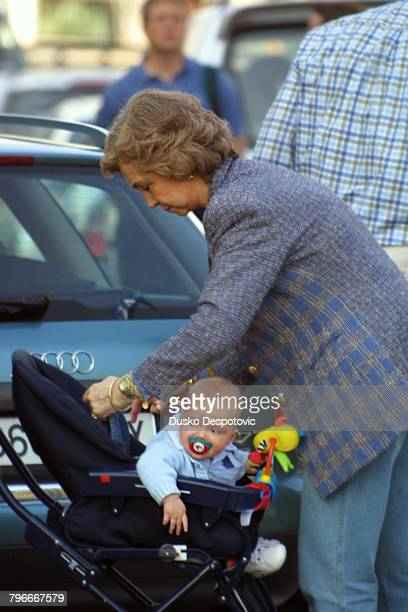 Queen Sophie with her grandson Pablo Nicolas Urdangarin at the 'Hermenegildo Zegna's 2001' regatta