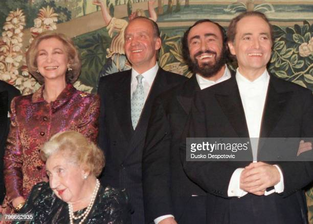 Queen SophieKing Juan Carlos Luciano Pavarotti Jose Carreras and the Countess of Barcelona