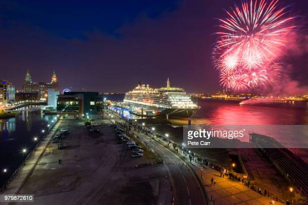 queen victoria in liverpool - queen victoria stock pictures, royalty-free photos & images