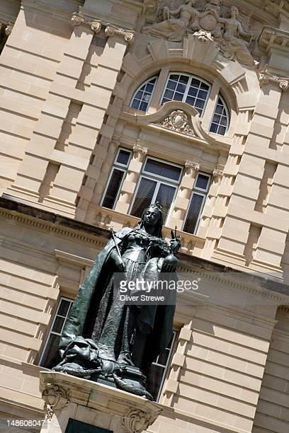 queen victoria statue,brisbane queensland. - queen victoria stock pictures, royalty-free photos & images