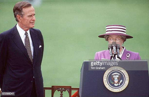 Queen With President Bush On The White House Lawn In Washington, Dc