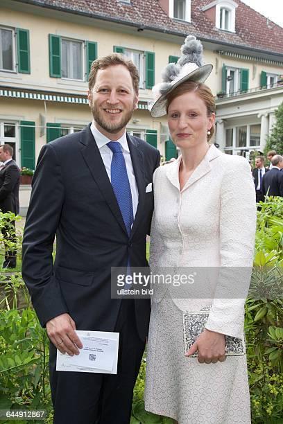 Queen´s Birthday Party Queen Elizabeth II und Prinz Philip in der Residenz des britischen Botschafters Sir Simon Mc Donald Friedrich Prinz von...
