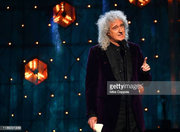 Queen's Brian May presents Def Leppard onstage at the 2019 Rock Roll Hall Of Fame Induction Ceremony Show at Barclays Center on March 29 2019 in New...