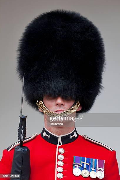 queen's guard - honor guard stock pictures, royalty-free photos & images