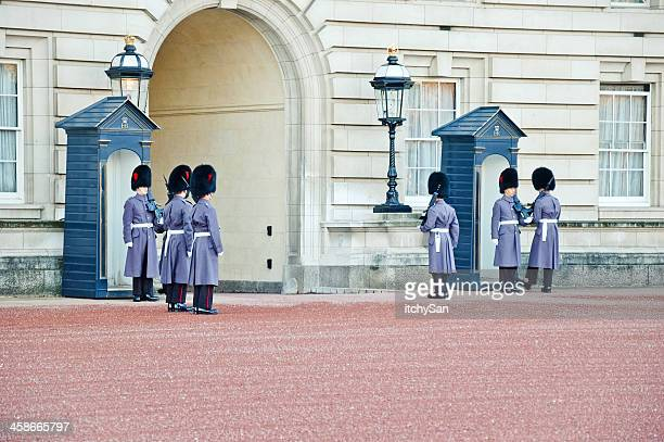 queens guards - honor guard stock pictures, royalty-free photos & images