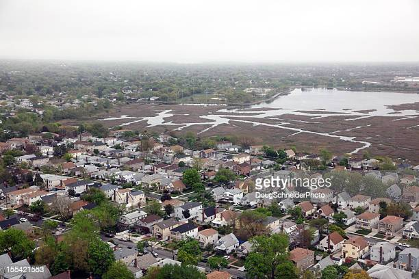 vecindario queen, vista aérea - queens fotografías e imágenes de stock