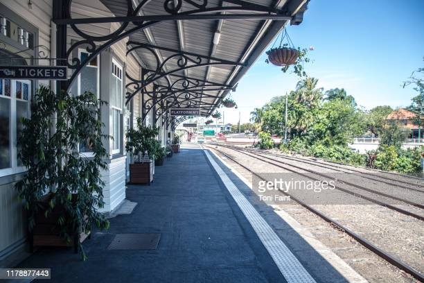 a queensland railway station - queensland stock-fotos und bilder