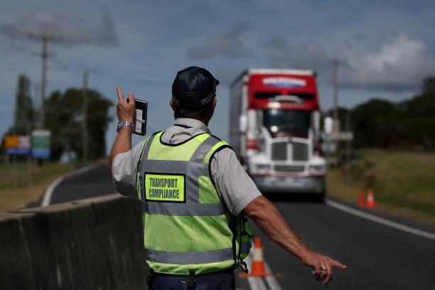 AUS: Hundreds Cross Queensland Border Ahead Of Tighter Coronavirus Restrictions