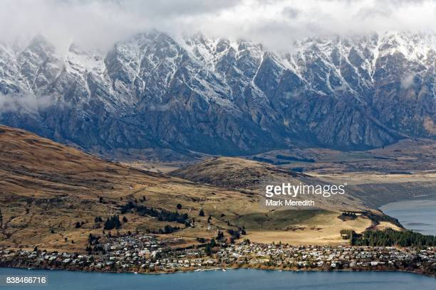 queenstown and the remarkables, otago, new zealand - the remarkables stock-fotos und bilder