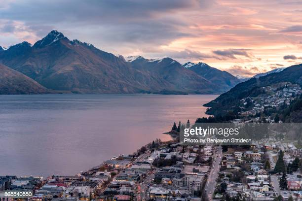 Queenstown cityscape and Lake Wakatipu at sunset, New Zealand