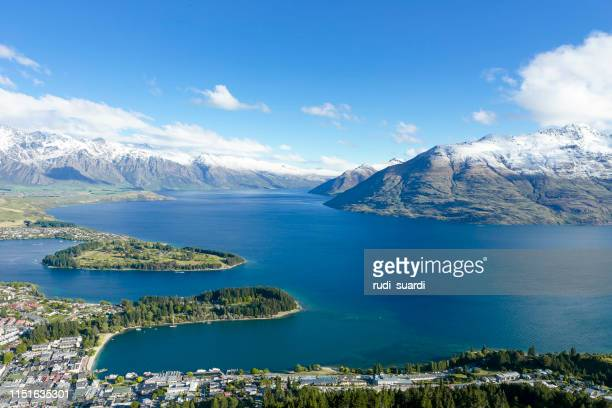 queenstown, new zealand high angle view of city - south island new zealand stock pictures, royalty-free photos & images