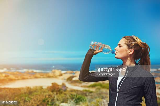 Löschen Sie den Durst, bei der Ausübung zu tragen