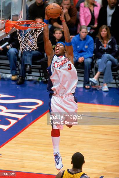 Quentin Richardson of the Los Angeles Clippers dunks the ball during the game against the Indiana Pacers at Staples Center on March 3, 2004 in Los...