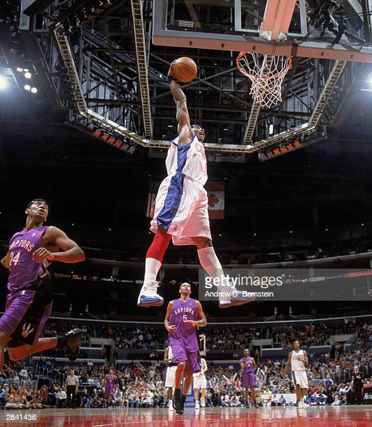 0bc587ae6821b1 Quentin Richardson of the Los Angeles Clippers goes up for the slam dunk  against the Toronto