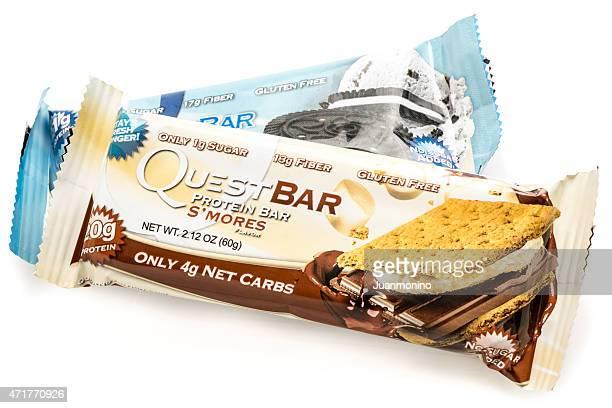 """""""quest bar"""" protein bar - barre stockfoto's en -beelden"""