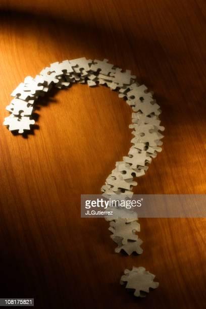 Point d'interrogation faite de pièces de Puzzle