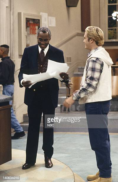 YEARS 'A Question of Ethics' Episode 14 Air Date Pictured Robert Guillaume as Dr Arthur Hemmings MarkPaul Gosselaar as Zack Morris Photo by Alice S...