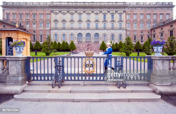 quick march, royal palace, stockholm, sweden - the stockholm palace stock pictures, royalty-free photos & images
