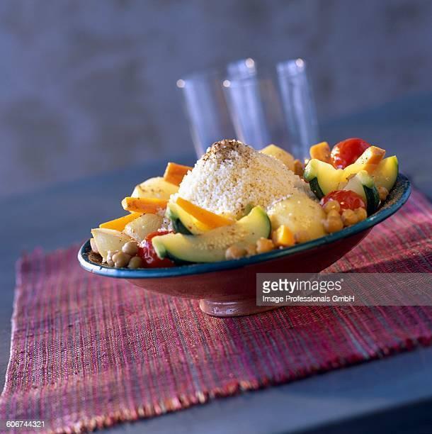 quickly made vegetable couscous - couscous marocain photos et images de collection