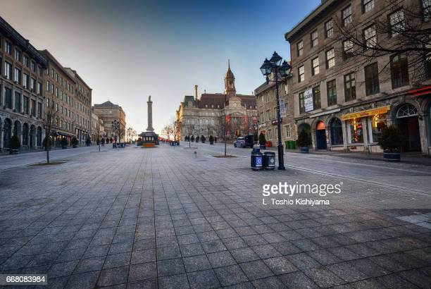 quiet in old montreal, canada - place jacques cartier stock pictures, royalty-free photos & images