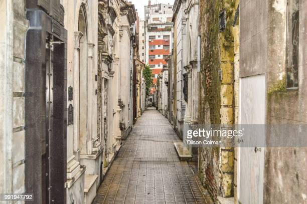 quiet walls - old town stock pictures, royalty-free photos & images