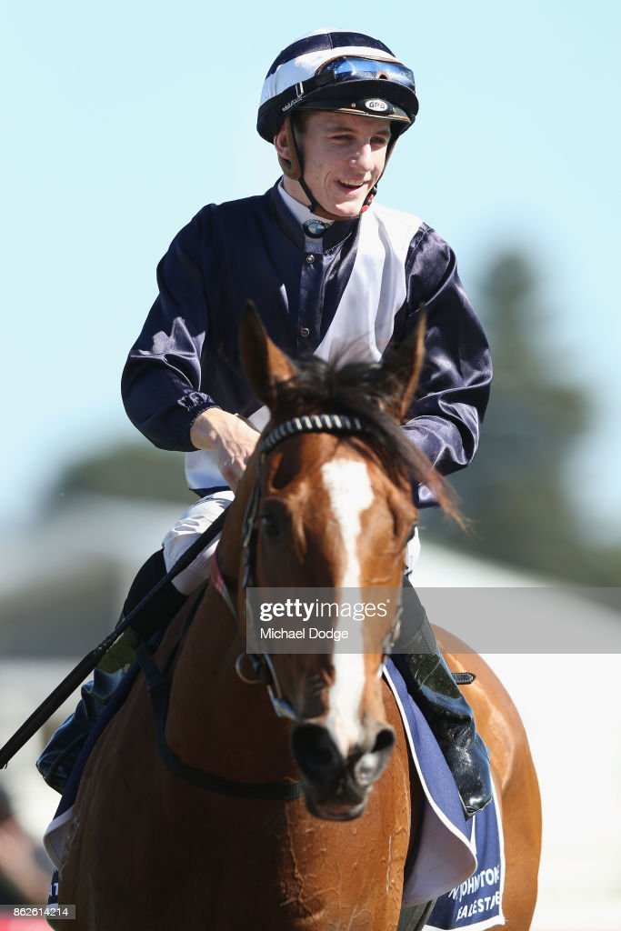 Catanachs Jewellers Blue Sapphire Stakes Day