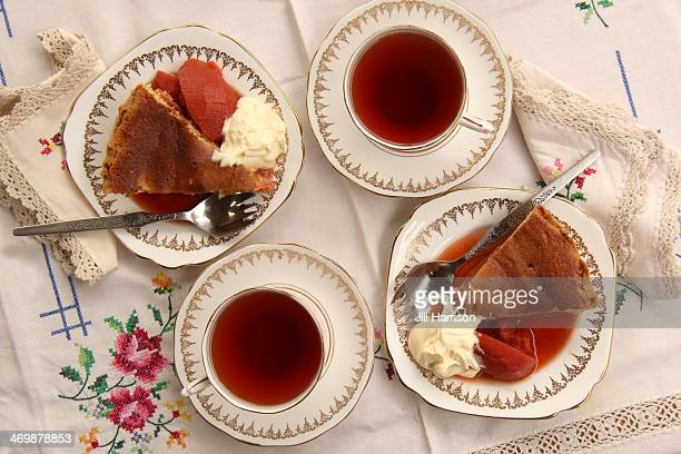 Quince pie with cream