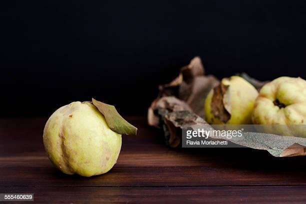 Quinces (cydonia oblonga)