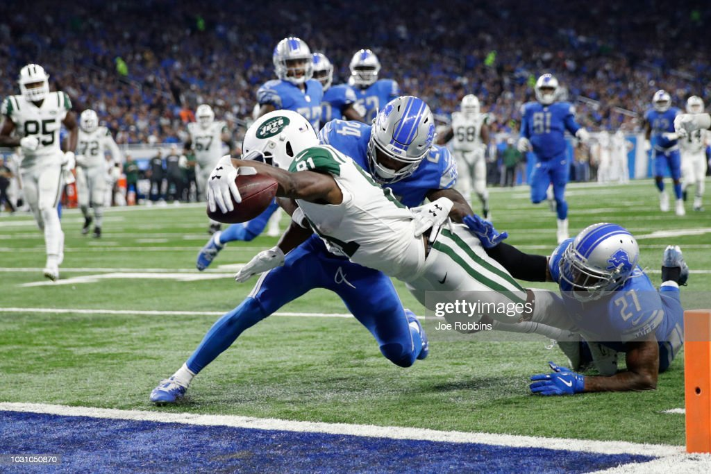 Quincy Enunwa #81 of the New York Jets scores a touchdown in the third quarter against the Detroit Lions at Ford Field on September 10, 2018 in Detroit, Michigan.