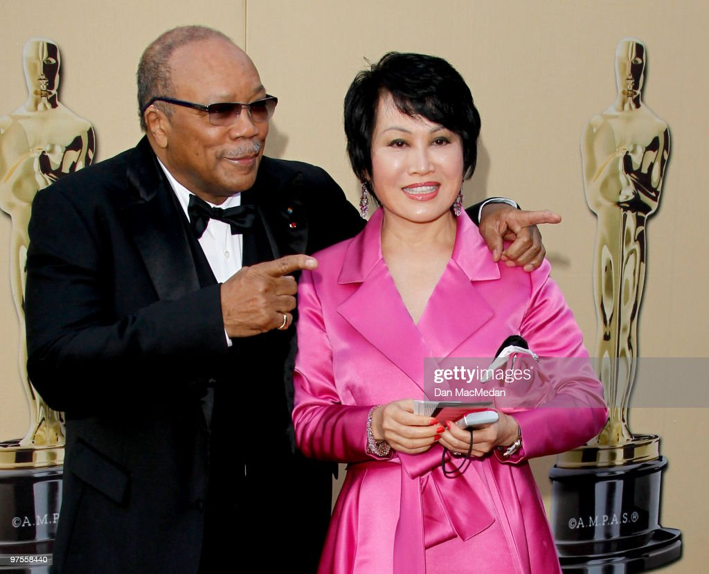 Quincy Jones (L) and Yue-Sai Kan attend the 82nd Annual Academy Awards held at the Kodak Theater on March 7, 2010 in Hollywood, California.