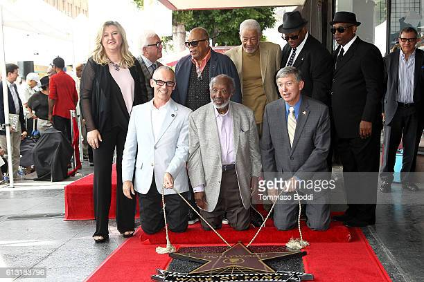Quincy Jones Bill Withers Clarence Avant Jimmy Jam Harris Terry Lewis Leron Gubler and Mitch O'Farrell attend a ceremony honoring Clarence Avant with...