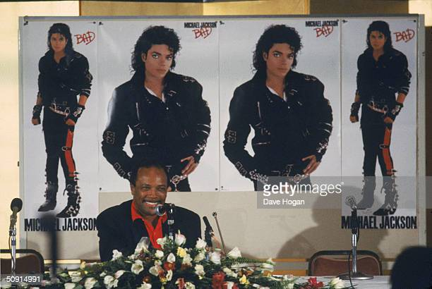 Quincy Jones producer of Michael Jackson's new album 'Bad' attends a press conference 1987