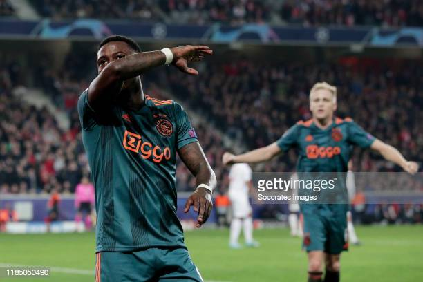 Quincy Promes of Ajax celebrates 02 during the UEFA Champions League match between Lille v Ajax at the Stade Pierre Mauroy on November 27 2019 in...